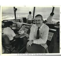 "1989 Press Photo R. W. ""Bob"" Myer, Jr. at International Airport Control Tower"