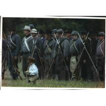 1993 Press Photo Jonathon Huston stands next to troops in Greenbush, Wisconsin