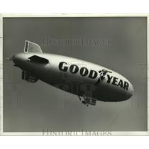 Press Photo The Goodyear Blimp America - amra05285