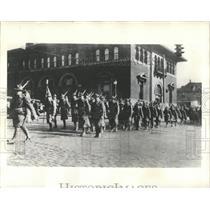 1932 Press Photo BATTALION MARCHING ENTRAIN CADIZ - RRX98609