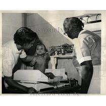 1964 Press Photo Arlene Jones Welfare Station State - RRW65467