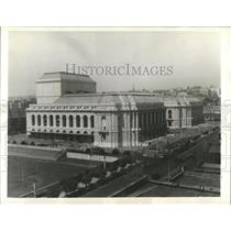 1932 Press Photo Twin Buildings Commemorating Heroism - RRX82319