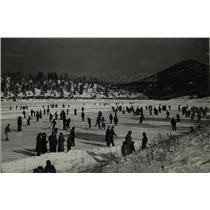1930 Press Photo Skater Waltz Steel blade Christmas - RRX79385