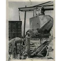 1950 Press Photo Congress St Highway Jefferson Feet - RRW23733