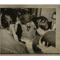 1974 Press Photo Frank James signs treaty - RRX78181