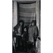 1971 Press Photo Young Kickapoo Indian Migrants' Plight - RRX71761
