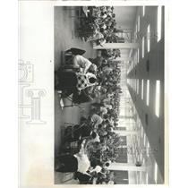 1977 Press Photo Bridge Playing Cards Game Tournament - RRX92597