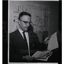 1963 Press Photo Charles Finch