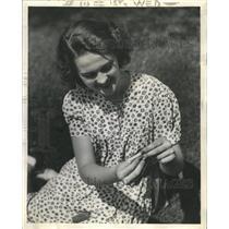 1941 Press Photo Edythe Pearsall radio actress Dearborn - RRW41217
