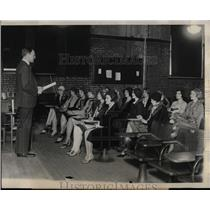 1929 Press Photo Smart Set Girls Intelligence Testing - RRX76169