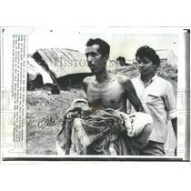 1971 Press Photo Pakistan Calcutta Graveyard Refugee