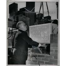 1957 Press Photo Dr. Louis J. Bailey - RRX58813
