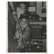 1951 Press Photo Patrolmen Bryant Roberts Trash Pier - RRX91471