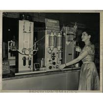 1952 Press Photo National Chemical Exposition exhibit - RRW61031
