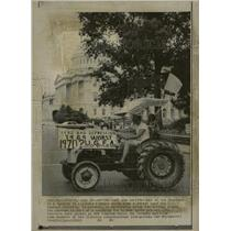 1969 Press Photo Washington US Capital Building Tractor - RRW22731