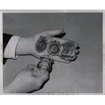 1947 Press Photo Fake Police Badges Used By Criminals - RRW02389