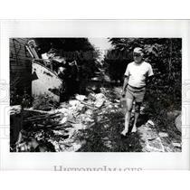 1990 Press Photo Alleys behind homes Garbage Detroit Mi - RRW01777