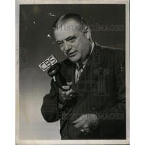 1949 Press Photo Sports Reporter Bill Corum - RRX58377