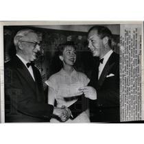 1952 Press Photo John Hightower Alexander Jone reporter - RRW84769