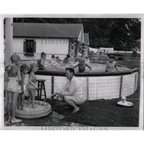 1954 Press Photo Swimming Instructor - RRW02397