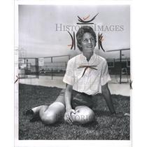 1965 Press Photo Carol Mann professional golfer ground - RRW32159