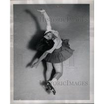 1952 Press Photo SONJA CURRIE CANADA'S AMATEUR SKATER - RRX58279