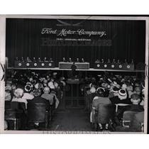 1961 Press Photo Ford Motor Company Stock Holder Meets - RRW87059
