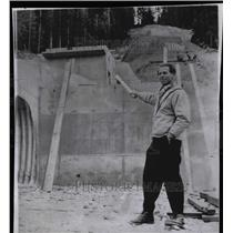 1958 Press Photo Heini Klopfer Ski Jump California - RRW81433