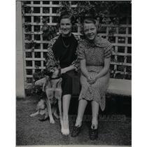 1936 Press Photo Miss Muriel Stokes Betty Parker Boston - RRX27195
