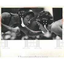 1984 Press Photo Curtis Crims Jeff Meagher Thornwood Invitational Wrestling