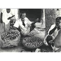 1968 Press Photo Vegetable Sellers India - RRX81027