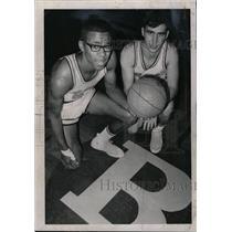 1966 Press Photo Beloit College basketball - RRW76011