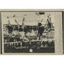 1971 Press Photo Byron Shewmanof Luis Zech Pan Am Games - RRW52281