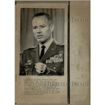 1971 Press Photo Major General John Barnes Vietnam - RRX34957