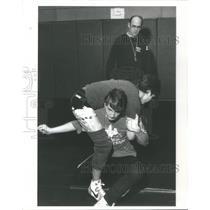 1985 Press Photo COACH BRUCE COOK MEADOWDALE HIGH SHOOL WRESTLING - RSC27231
