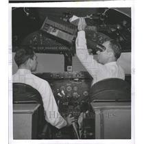 1954 Press Photo New Radar Device Bendix Aviation Corp - RRW38755
