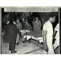 1971 Press Photo Sgt. Sexton captive Viet Cong father - RRX54375