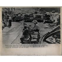 1963 Press Photo Henry rescue worker Cane Creek Potash - RRW58585