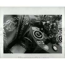 1993 Press Photo jewellary model flower bucket image