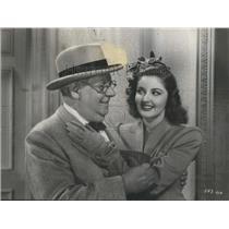 1947 Press Photo Cassol Vicki Feel Close Docide Finance Boy Musical Production