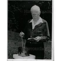 1963 Press Photo Carl Scofield Precipitation Weather - RRW76963