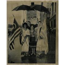 1962 Press Photo Fair umbrellas foreign lands weather - RRW23923