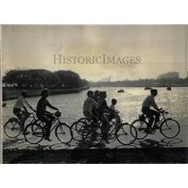 1964 Press Photo Diversey Harbor Bicyclers Indian Summe - RRW63135