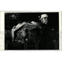 1973 Press Photo Roger Simon Talks With Glenn Morgan - RRW77595