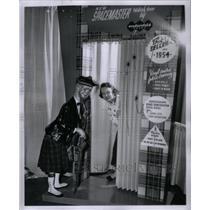 1954 Press Photo Betty Rood Philby space master Door - RRX35163