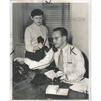 1951 Press Photo Shirley Russell Phillip Hart telephone - RRW31757
