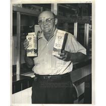 1961 Press Photo Frank Kimmel Goat Milk - RRW34503