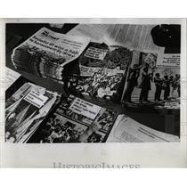 1968 Press Photo Young Socialist Alliance Literature - RRW91573