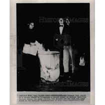 1965 Press Photo Manhattan New Yorkers burn paper new - RRW23571