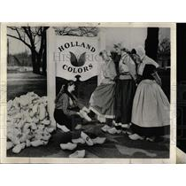 1960 Press Photo Klompen Dancers Tulip Festival Holland - RRX76523